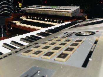 Hammond B3, Yamaha ES6, Roland Fantom G6