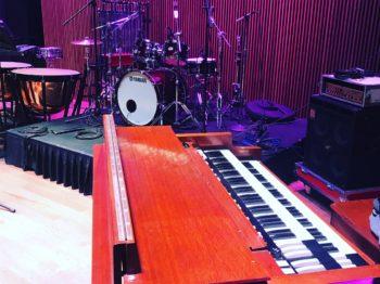 Hammond B3, Eden WT800 head/410XLT cab, Yamaha AHM kit and 7300 timpani
